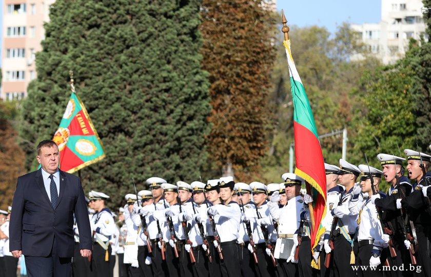 каракачанов младите започват осъзнават воинската професия добра перспектива