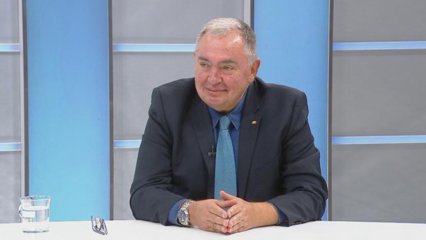 Проф. Георги Михайлов: Защо депутати напуснаха БСП след конгреса, а не преди него?