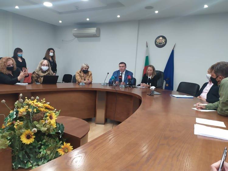 Здравният министър за COVID-19 в Пловдив: Ситуацията е изключително добре контролирана