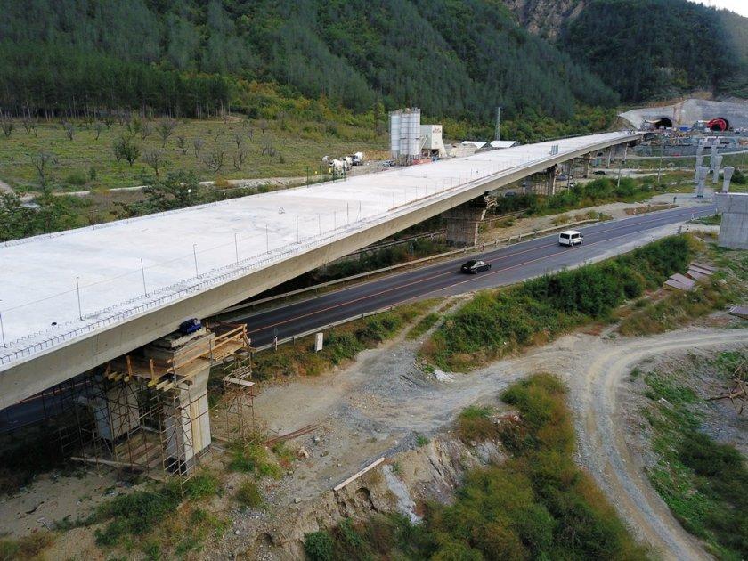 заключителен етап строежът платното софия виадукта тунел железница струма