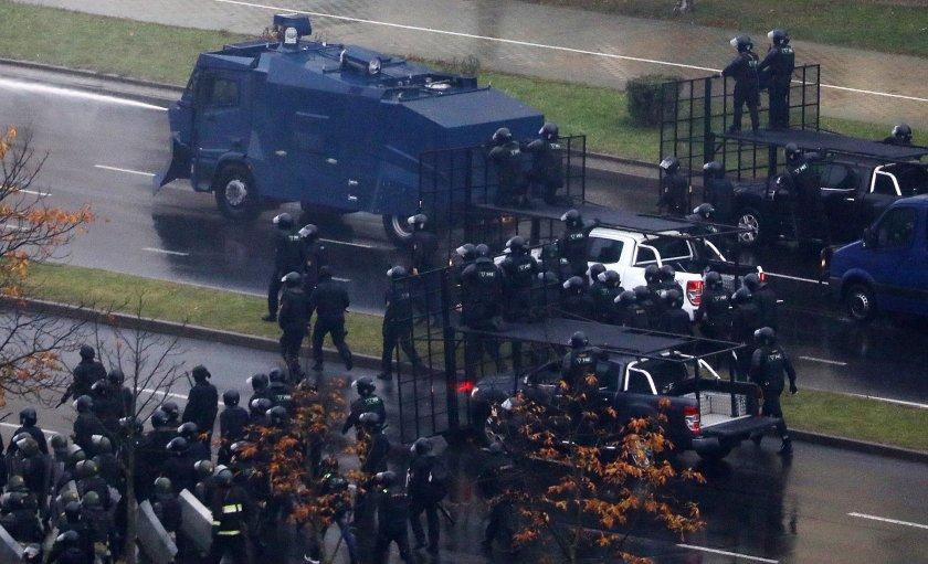 Бойни оръжия в Беларус: Полицията ще има право на повече сила срещу протестиращите