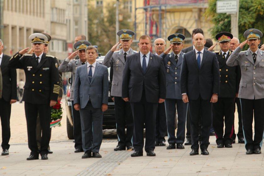 каракачанов бойната авиация започна изправя крака