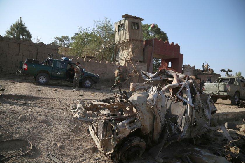 бомба разкъса автобус афганистан взе жертви видео