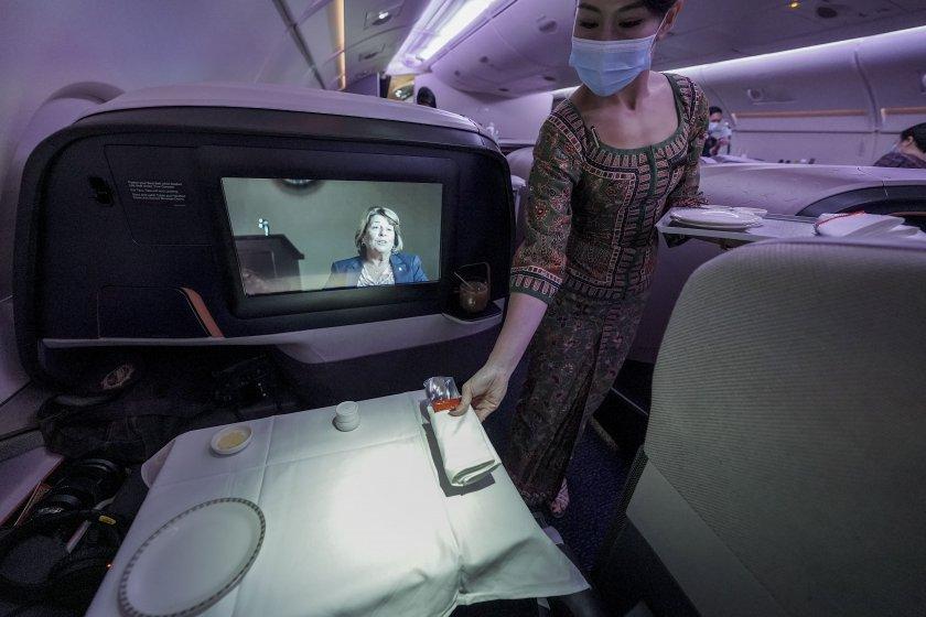 В Сингапур предлагат вечеря в самолет