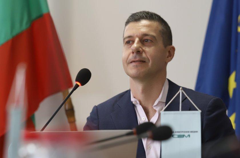 генералният директор бнр оттегли оставката