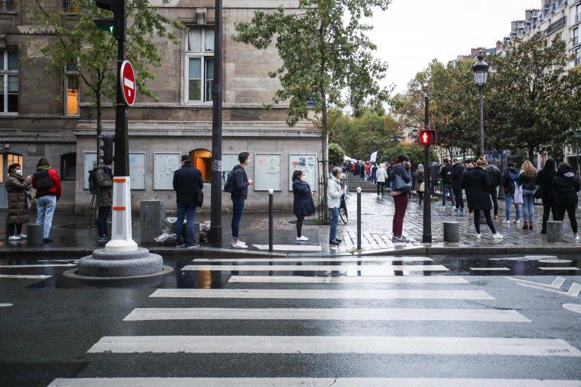 удължават извънредното положение франция февруари