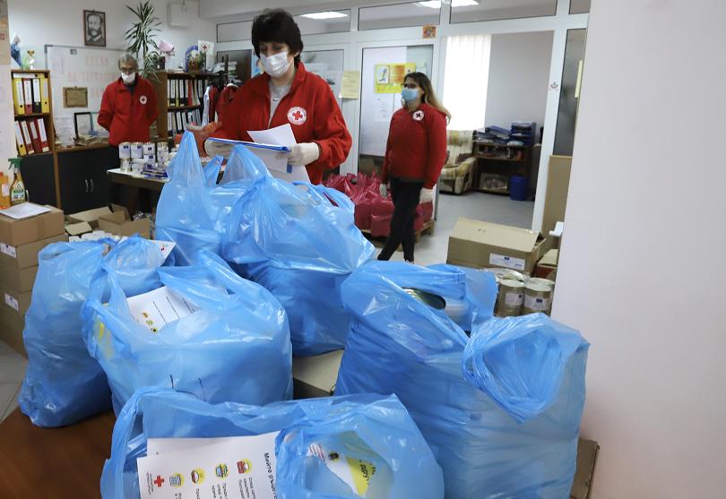 146 000 души получили хранителни пакети октомври