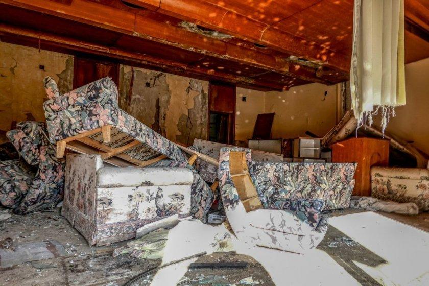 бившата резиденция тодор живков банкя тъне разруха