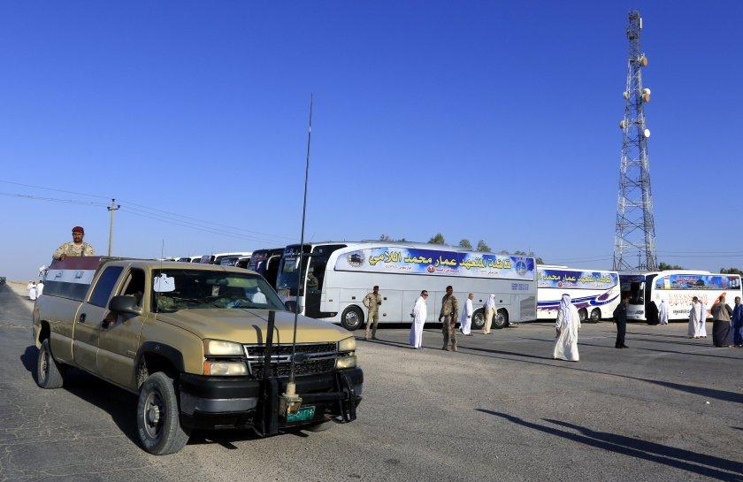 години късно ирак саудитска арабия отвориха границата
