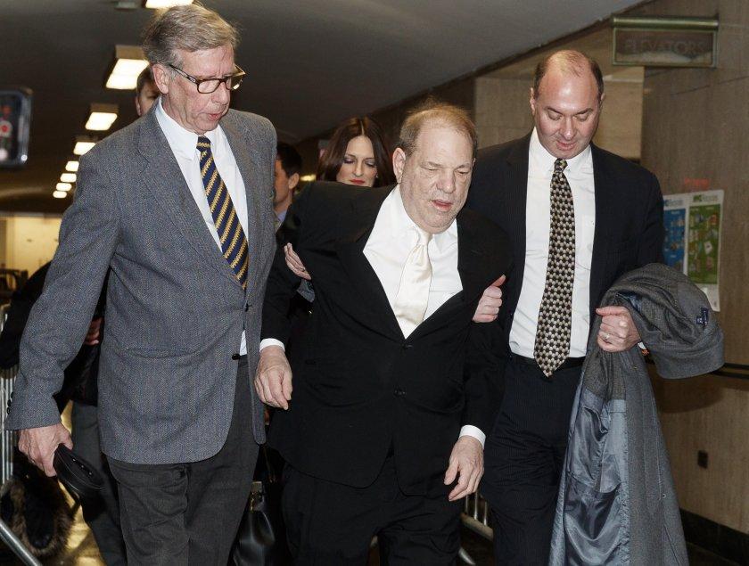 продуцентът харви уайнстийн влошено здравословно състояние остава затвора