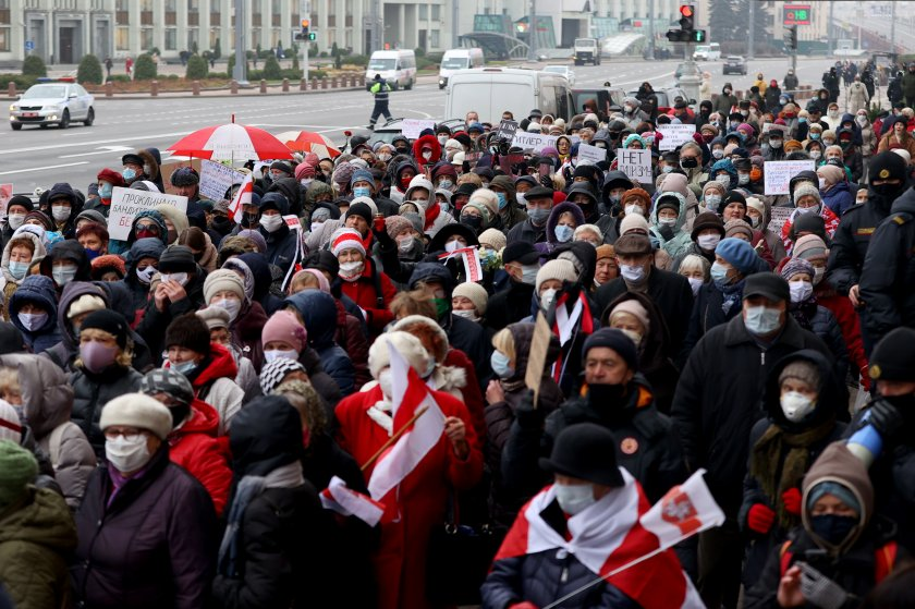 След 100 дни протести - какъв път ще поеме Беларус