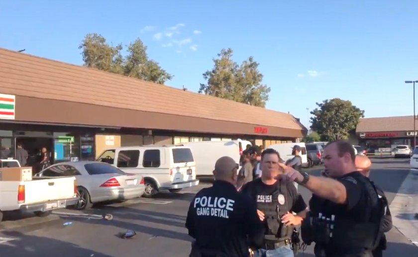 Двама убити и няколко ранени след нападение с нож в баптистка църква в Калифорния