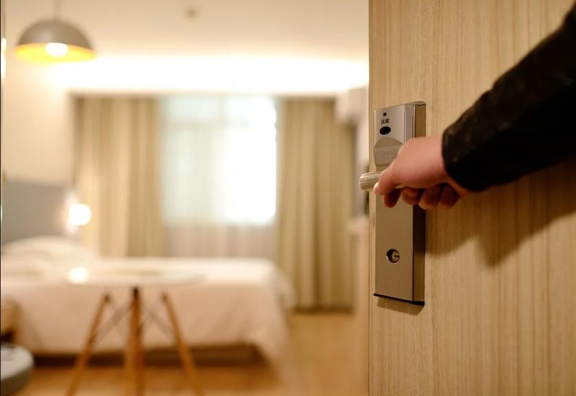 министър николова хотелите черноморието спазват санитарните мерки
