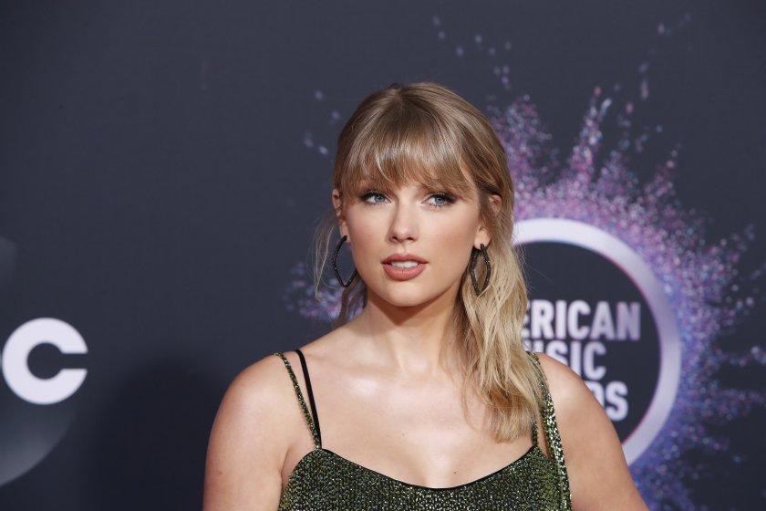 тейлър суифт стана изпълнител годината aмериканските музикални награди