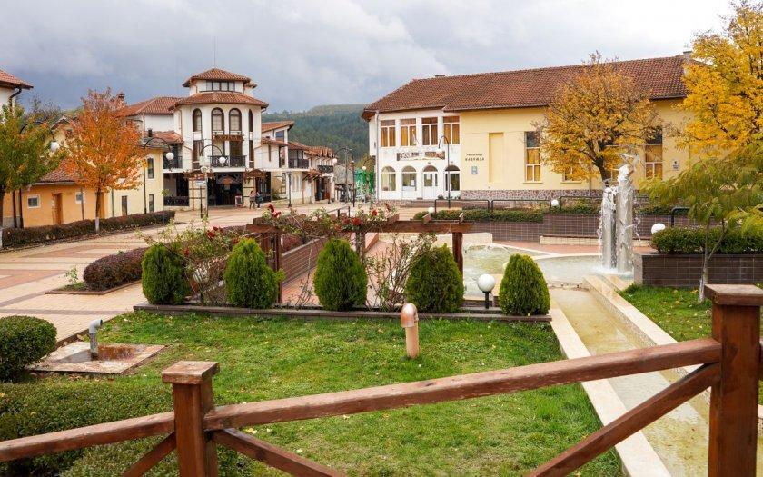 На гости в Чавдар - българското село без нито една дупка по улиците