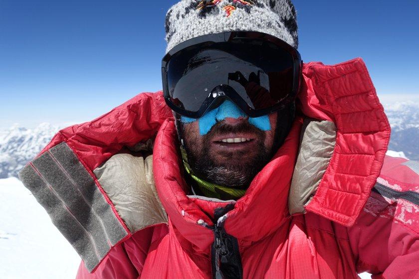 атанас скатов тръгва първо зимно изкачване