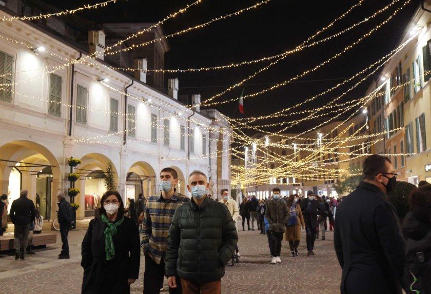 италия отхлабва мерките празниците франция изгражда кпп границите