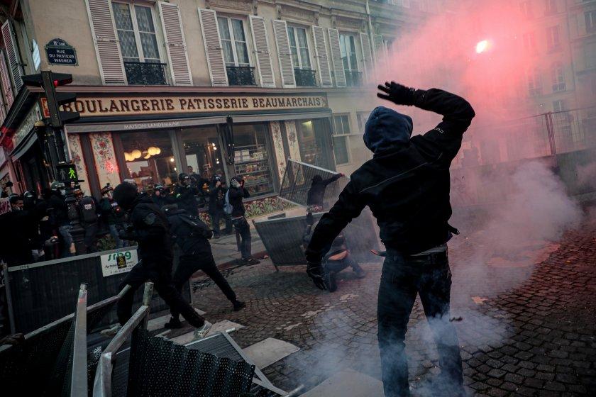 сблъсъци париж време протест полицейското насилие