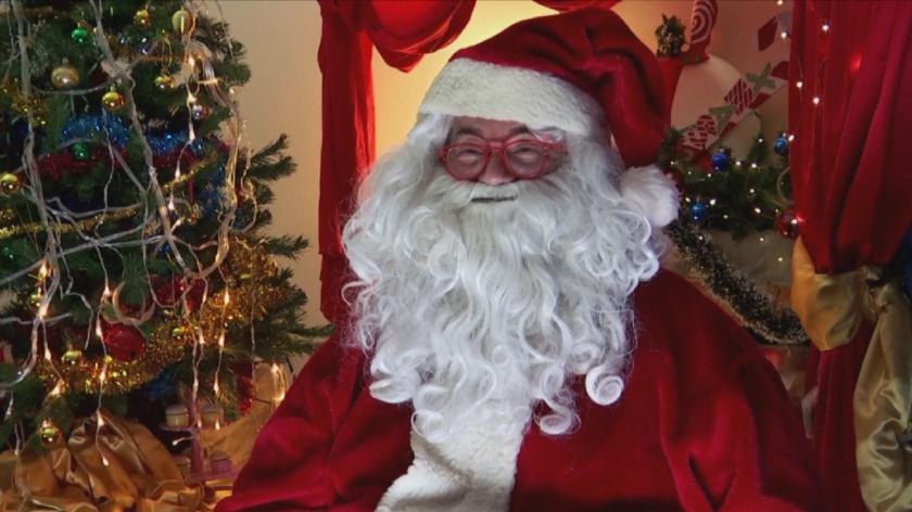 Децата в Италия общуват с Дядо Коледа виртуално