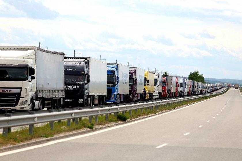 гърция изисква дневна карантина бързи тестове шофьорите товарни камиони