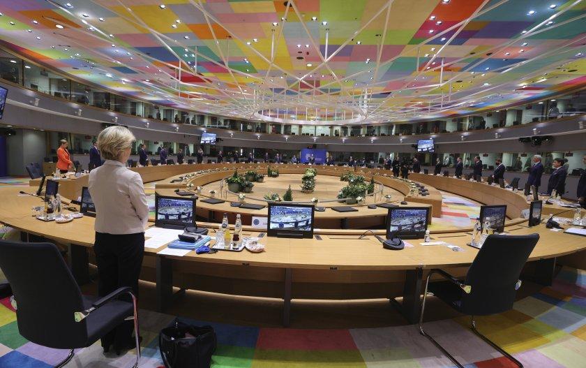 Ден 2-ри от срещата на върха на ЕС: Обсъждат сигурността и икономическото възстановяване