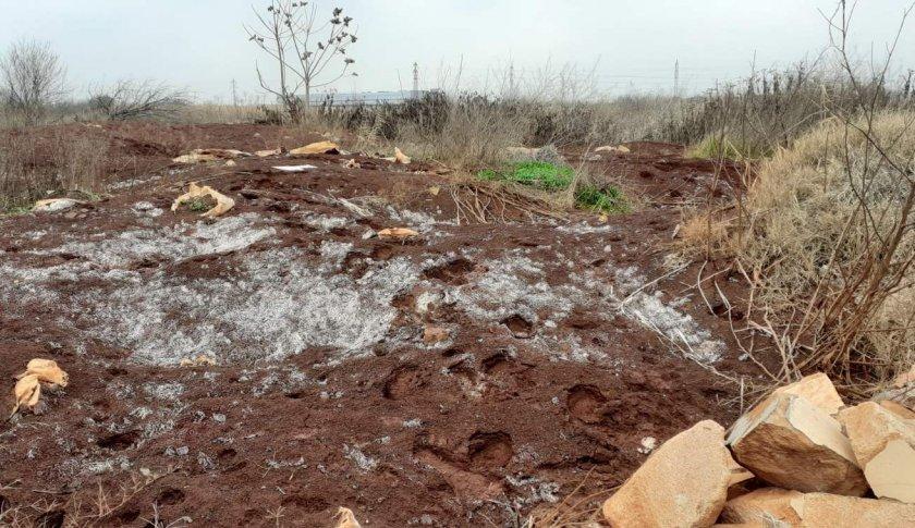 Откриха близо 200 тона предполагаемо опасни отпадъци край Пловдив