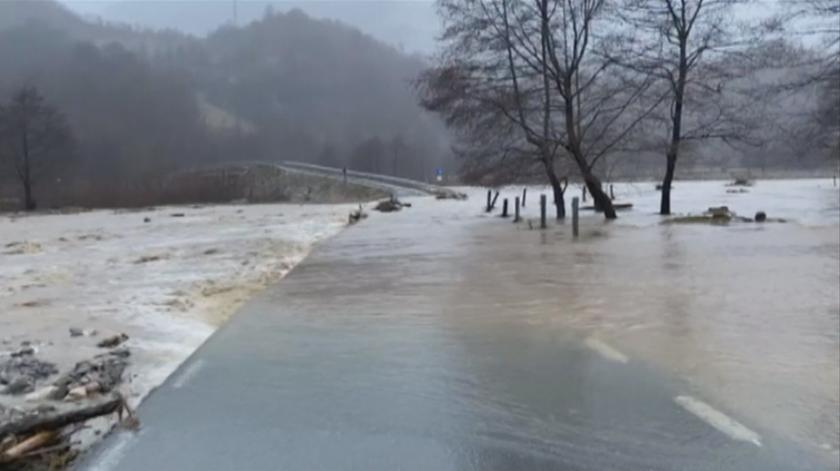Поройни дъждове предизвикаха наводнения в Румъния