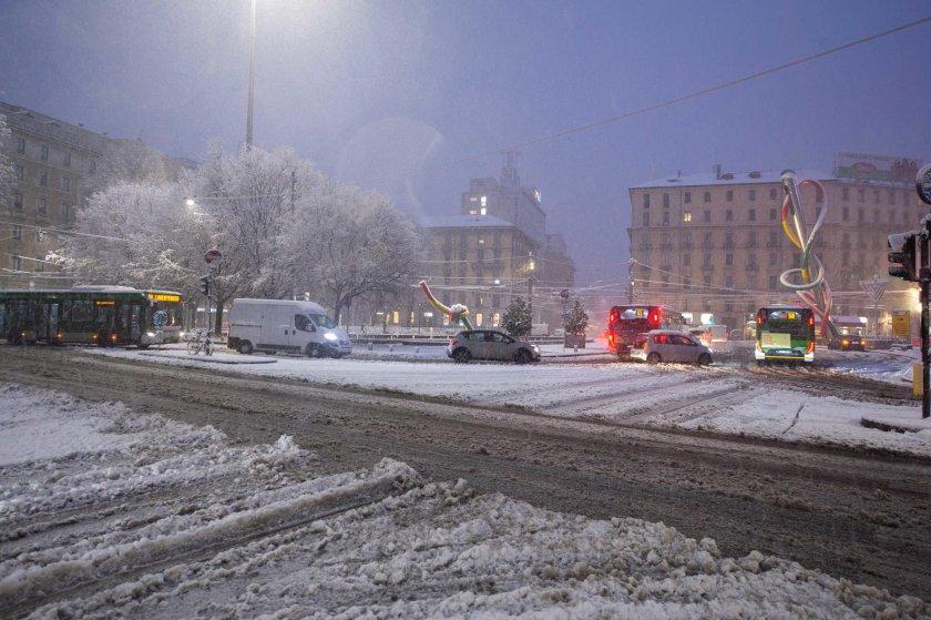 Бурята Белла продължава да вилнее в Европа
