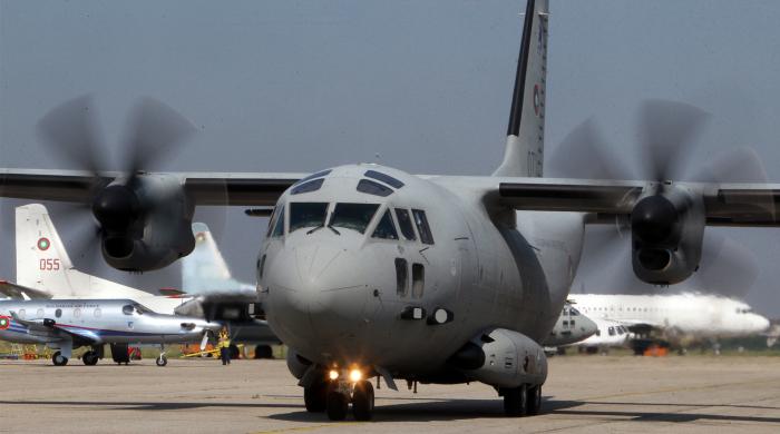 самолети спартан ввс доставят хуманитарна помощ българия хърватия