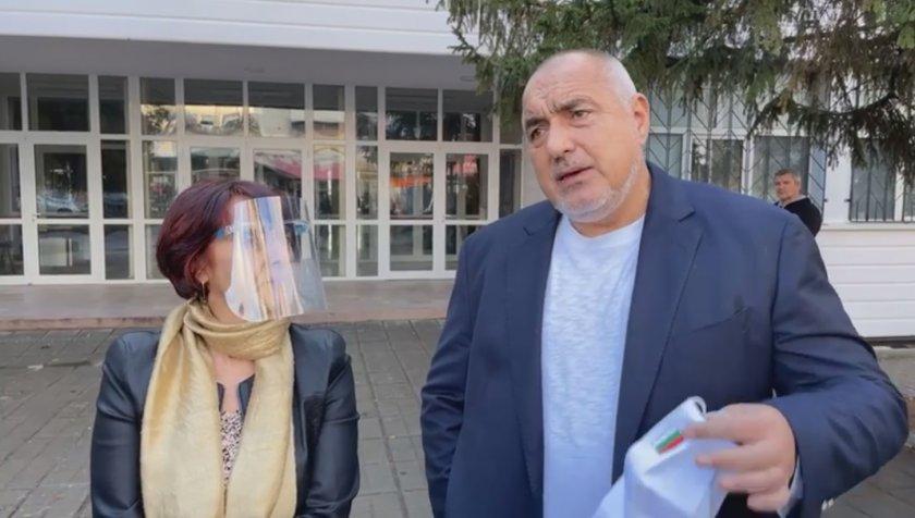Борисов: Президентът се чуди как да оправдае да отмени изборите