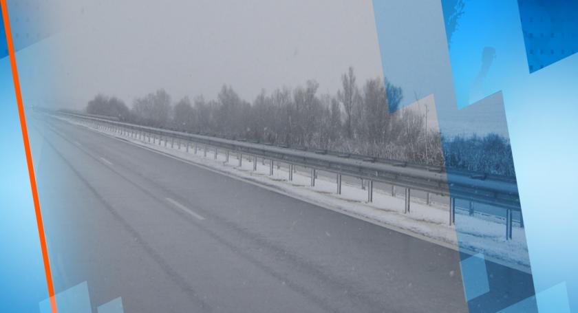 Заради снега: Усложнена пътна обстановка у нас, шофирайте с повишено внимание