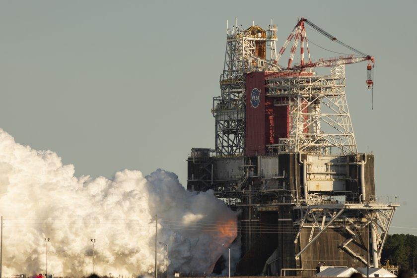 Тест на мегаракетата на НАСА: Двигателите не сработиха в щатен режим