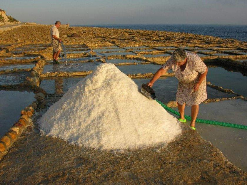 европейци солниците солта живота гозо пазят традията европейски средства