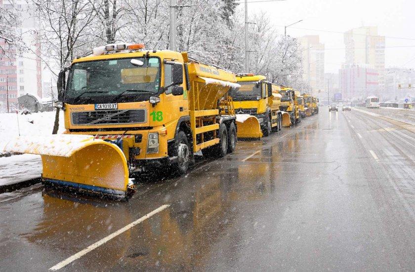 123 снегопочистващи машини обработват улиците софия