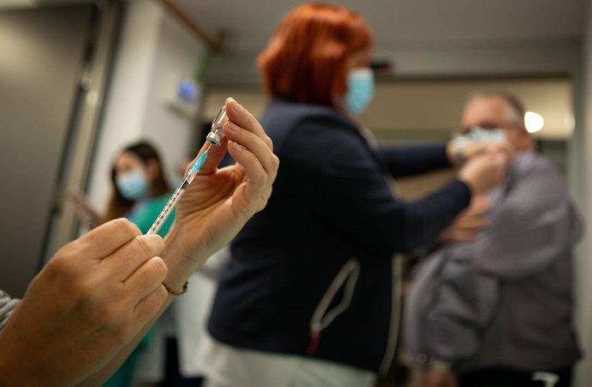 шефът генералния щаб испанската армия подаде оставка заради ваксинация