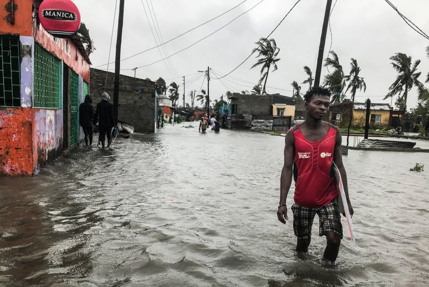 жертви циклона елоиз източна африка