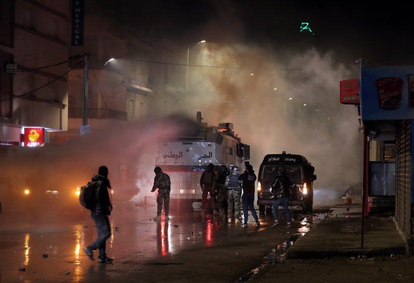 бунтове мерките правителството тунис