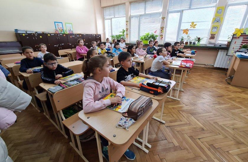 Как ще учат децата след връщането на всички класове в училище