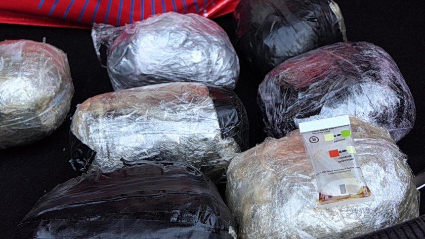 оставиха ареста трима задържаните трафик хероин сащ