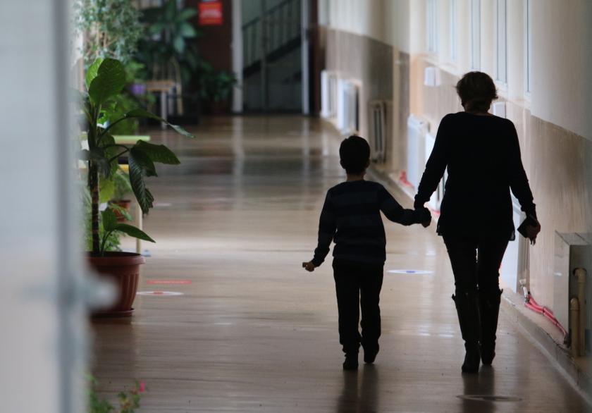 Проучване: Под 15% от родителите са съгласни учениците да бъдат тествани за COVID-19