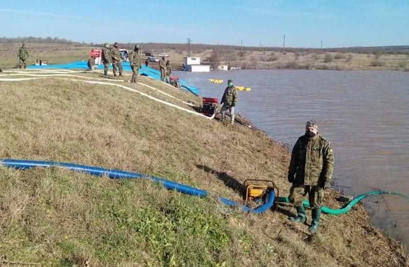Пети ден продължава отводняването в село Димчево