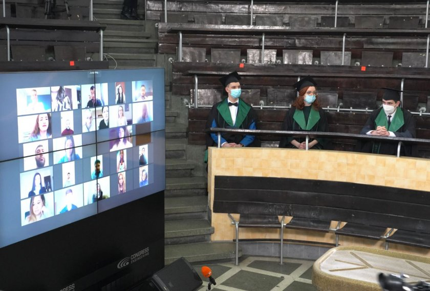 бъдещи лекари положиха хипократова клетва нетрадиционна церемония снимки