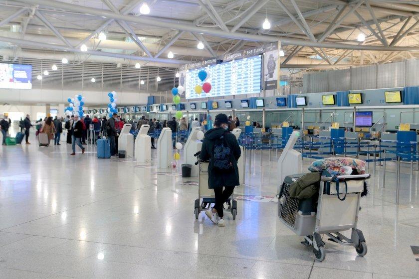 ирландия праща затвора нарушили карантината туристи