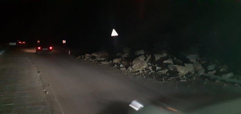 скали срутиха пътя асеновград смолян