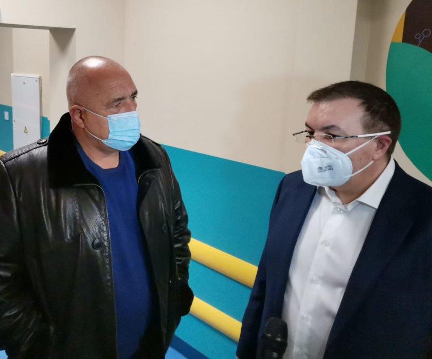 здравният министър обяд решаваме дали пуснем зелен коридор ваксините