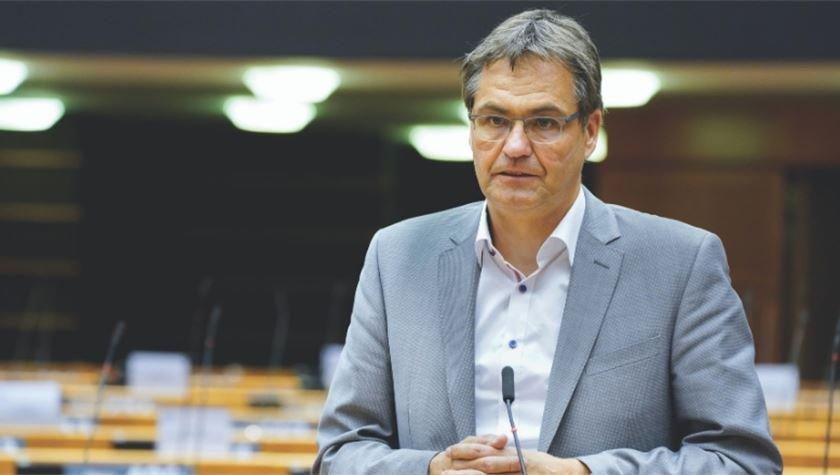 германски евродепутати русия използва спутник политически инструмент