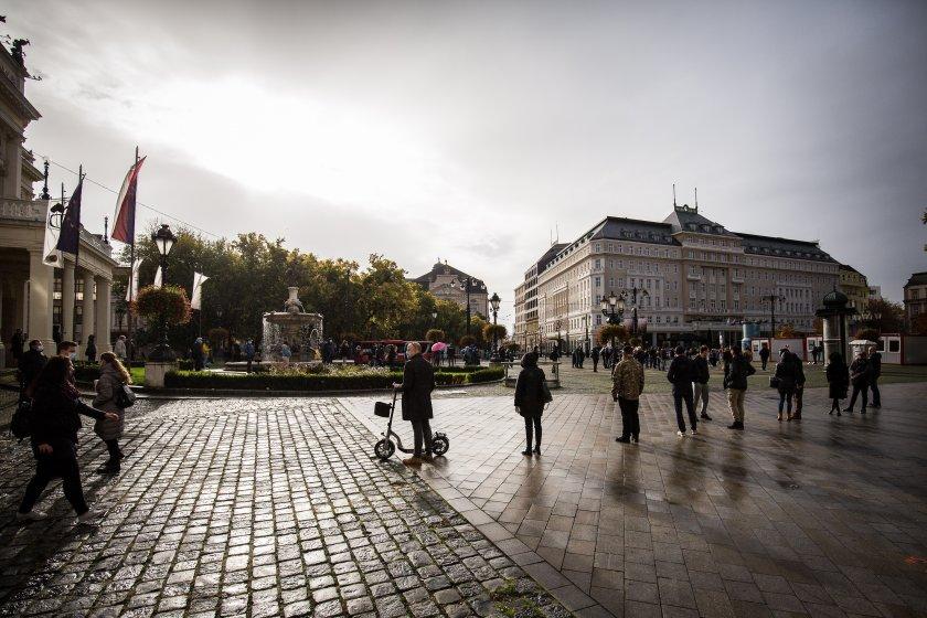 Строг полицейски час в Словакия, в Германия мерките остават още три седмици