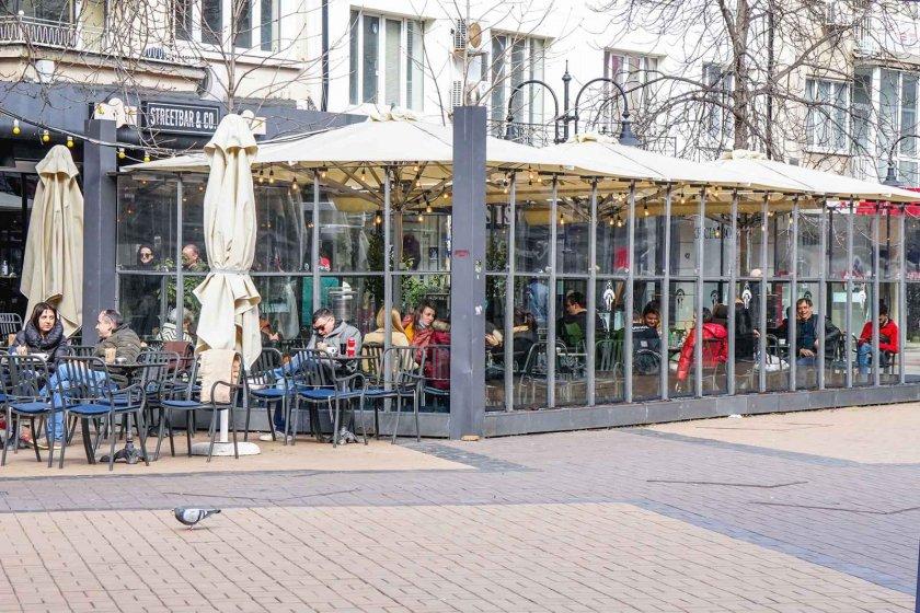 отвориха ресторантите какви ограничения спазват клиентите