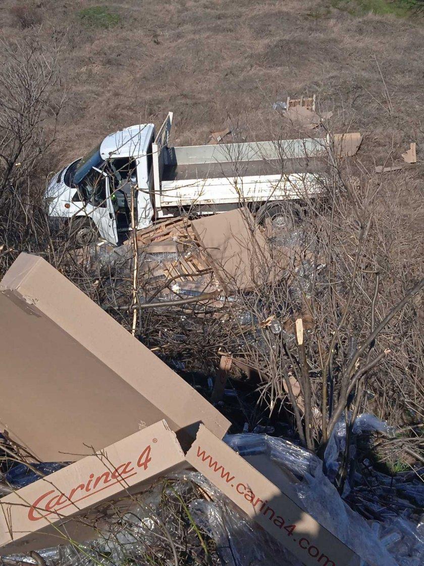камион падна канавка пловдив