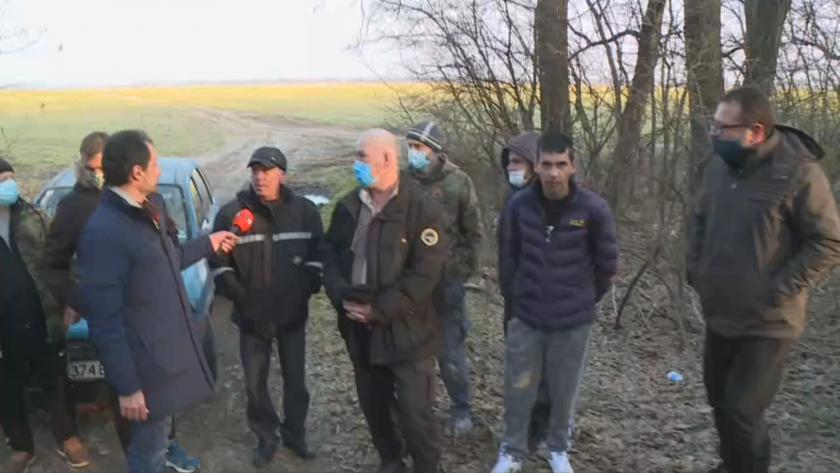 Жители на две села събират дарения, за да асфалтират междуградски път